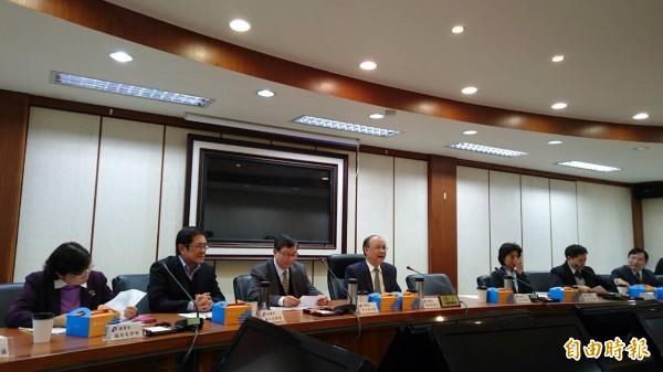 經濟部今召開年終記者會,說明貨貿相關議題。(記者黃佩君攝)