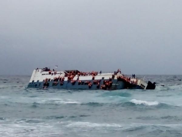 印尼今日驚傳一艘渡輪在外海沉沒,目前已知船上全部共有139人,並已知有12人死亡。(圖擷自IG : Daeng Info推特)