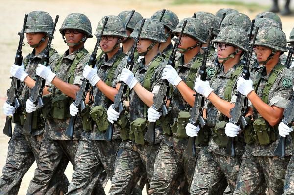 南韓最高法院今天裁定,男生可因「宗教信仰和良知」拒服兵役。(法新社)
