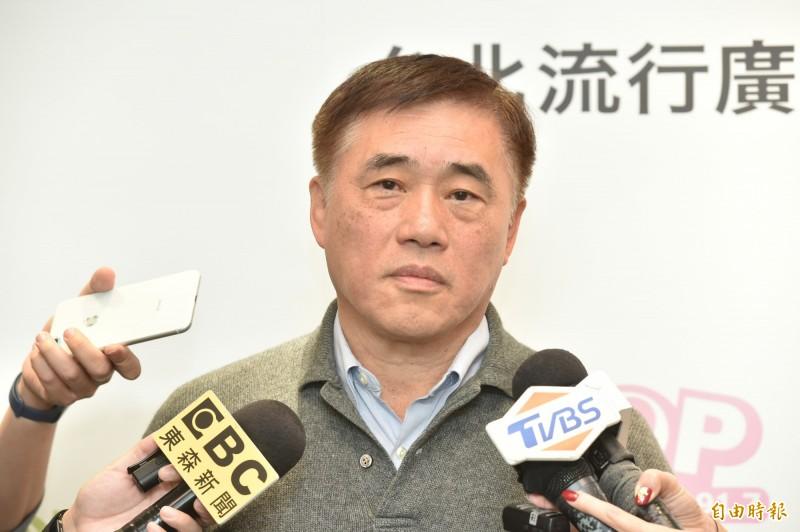 前國民黨副主席郝龍斌接受廣播媒體專訪。(記者塗建榮攝)