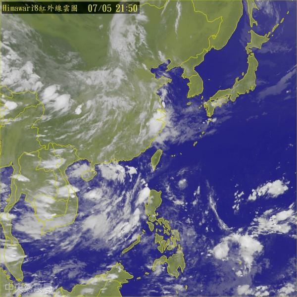 氣象局晚間發布熱帶性低氣壓特報。(圖擷取自中央氣象局)
