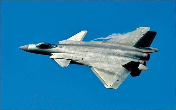 中國匿蹤戰機「殲20」過去在航空展亮相。(歐新社)