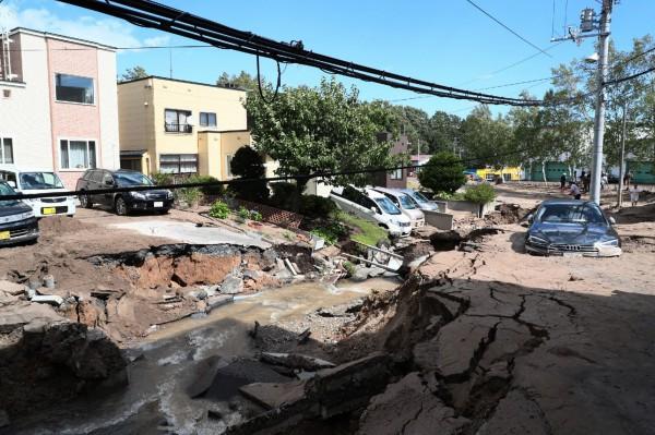 北海道規模6.7強震釀嚴重災情。(法新社)