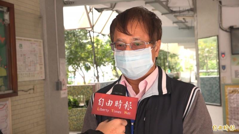 西湖國小校長談校方如何防疫(記者楊劼恩攝)