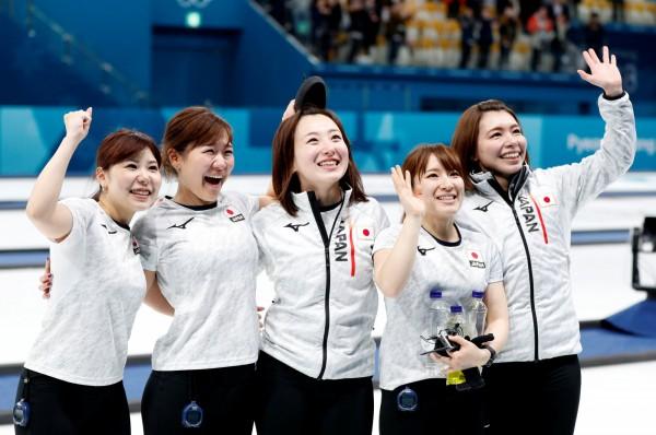 日本「2018年新語、流行語大賞」,由平昌冬奧日本冰壺女子代表隊互相溝通時所說的北海道方言「そだねー(對啊、是啊、沒錯)」奪冠。(路透)