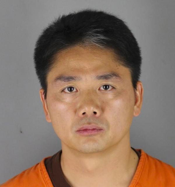 中國第二大電商京東集團CEO劉強東,在美國明尼蘇達州涉嫌性侵女學生,完整案情與受害人求救短訊首次流出。(美聯社)