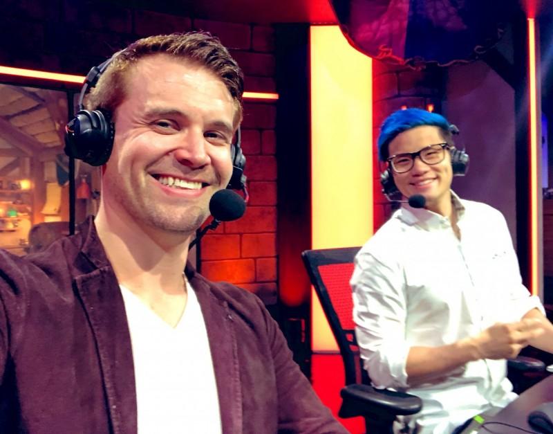 美國知名賽評Brian Kibler(左)表示,已退出今年暴雪嘉年華上舉辦的大師職業賽世界總決賽轉播工作。(擷取自Brian Kibler推特)