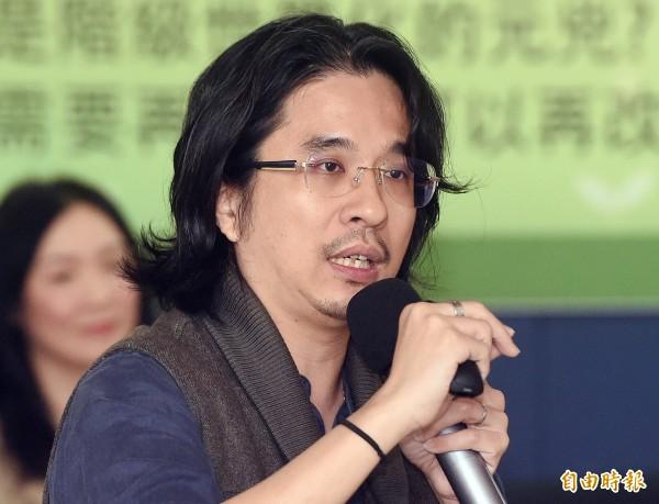 葉丙成今在臉書發文指出,為那些急著離開台灣讀書的高中生感到遺憾。(資料照)