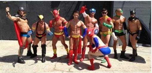 甚至有人cosplay,或是將ACG人物的照片分享到網路上。(圖擷取自推特)
