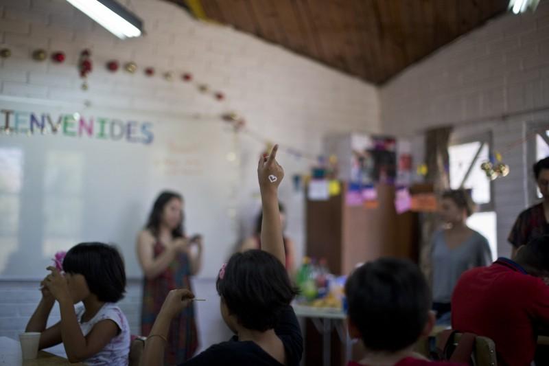 「阿瑪蘭塔學校(Amaranta School)」,是世界上第一所專門為跨性別學生開辦的學校,專門招收6至17歲的跨性別學童及其兄弟姊妹。圖為上課情形。(美聯社)