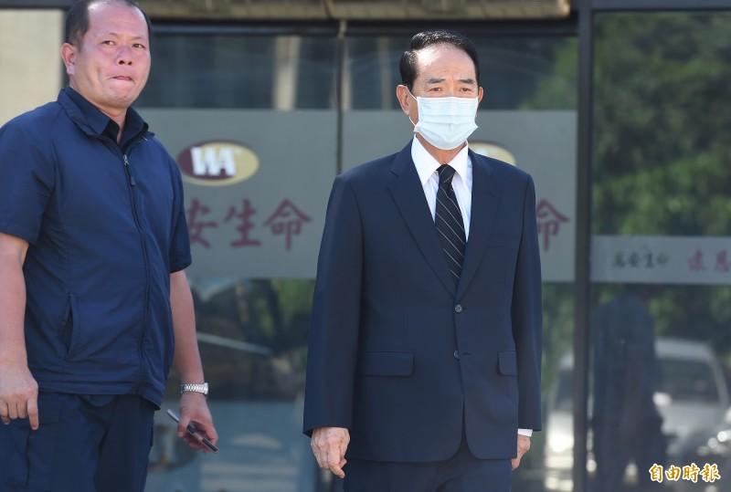 親民黨主席宋楚瑜今天下午抵達現場弔唁。(記者廖振輝攝)