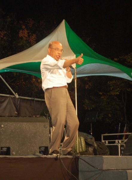 蘇貞昌到宜蘭輔選時呼籲選民用選票給馬英九教訓,讓馬看到人民的憤怒。(記者江志雄攝)