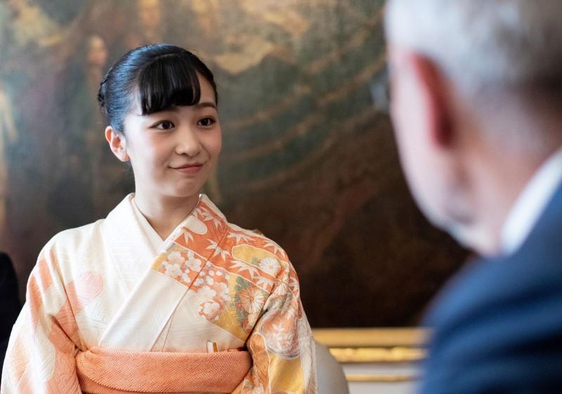 佳子公主活動上不僅展現了高雅的氣質,與奧地利總統相談也盡現皇家風範,甜美笑容與大方舉止讓活動氣氛增色不少。(路透)