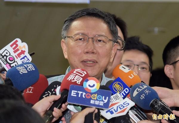 台北市長柯文哲25日於市府接受媒體聯訪。(記者黃耀徵攝)