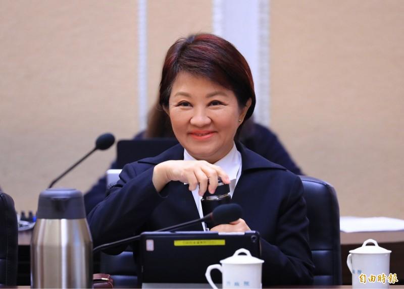台中市長盧秀燕14日趁立法院財政委員會到台中考察,要求交通部增加台中捷運綠線延伸段補助經費。(資料照)