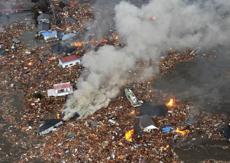 日本學者指出,要預測地震的機率大約只有1%。圖為日本311大地震災情。(美聯社)