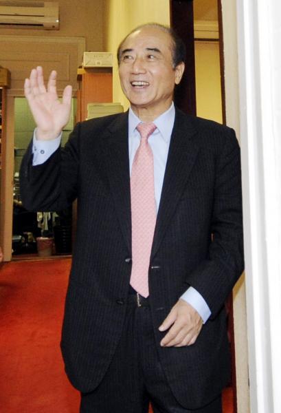 立法院長王金平赴考紀會遞上陳述書,強調自己絕無關說,並署名「中國國民黨永久黨員王金平」,宣示忠貞。(資料照,記者陳志曲攝)