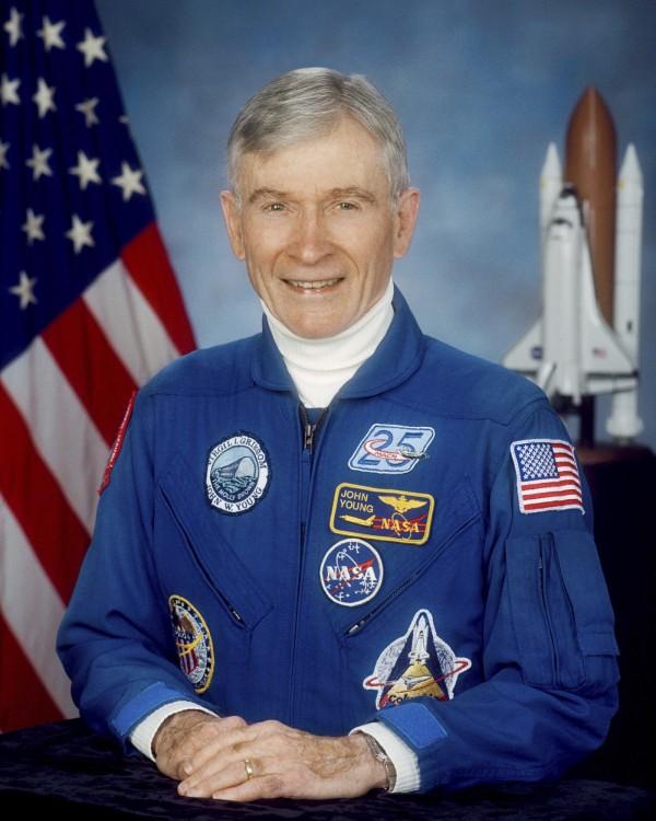 美國傳奇太空人楊恩(John Young),因肺炎併發症逝世,享壽87歲。(美聯社)