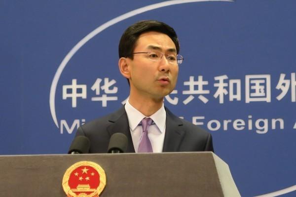 中國外交部發言人耿爽要記者去詢問中國人民的心得。(中央社)