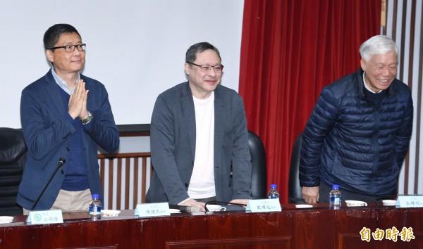 香港占中三子陳健民(左起)、戴耀廷、朱耀明29日出席在政治大學舉行的「雨傘運動與東亞民主展望論壇」。(記者廖振輝攝)