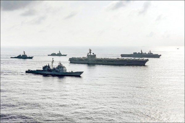 中共解放軍的海軍船艦數量已超越美國,但美軍實際的品質及戰略打擊能力仍海放解放軍的船艦!(路透)