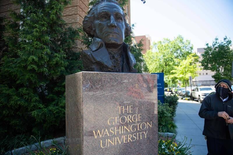 美國喬治華盛頓大學副教授克魯格日前撰文坦承謊稱黑人,但實際上是猶太白人的身分,引發譁然。(法新社)