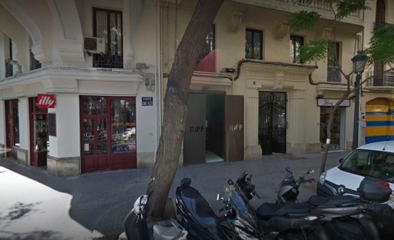 西班牙一星米其林餐廳RiFF發生大規模食物中毒,一共有29人出現食物中毒的現象,其中1名46歲的婦女死亡。(圖擷自Google街景)