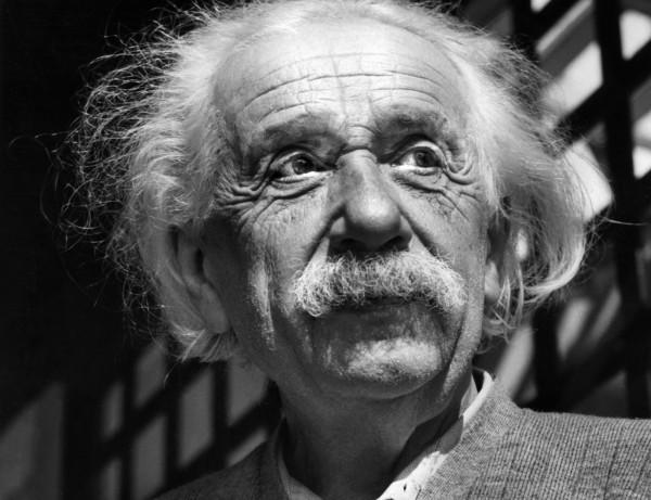 愛因斯坦生前寫給妹妹的親筆信,內容預言「猶太人在德國未來慘淡」,並表達德國的未來堪憂。(美聯社)