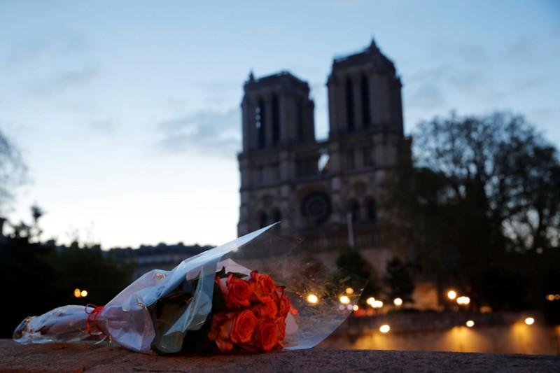法國總理菲力普(Edouard Philippe)宣布,法國將舉行「世界修復聖母院大賽」,號召全球建築師參與。(路透)
