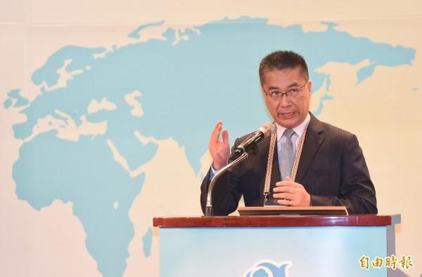 內政部長徐國勇今日表示,針對員警行使公民權部分,「會盡量往不影響的方向處理」。(資料照)