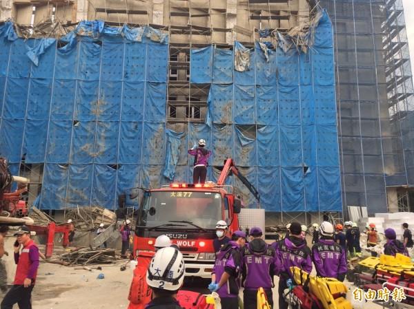圖為大溪高中新建圖資大樓工程近日發生意外,造成5名工人意外死亡。(資料照,記者周敏鴻攝)