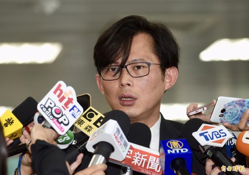 時力立委黃國昌(見圖)今(4)在演講中透露,他需要團隊、戰友一起進國會,他一個人絕對不夠。(資料照,記者羅沛德攝)
