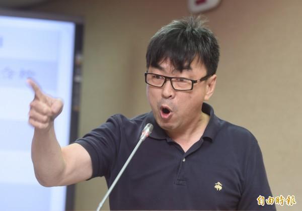 段宜康忍不住抱怨,立委審預算對台灣省、福建省最有感,因為他們不但人事沒有減少,還要補助款,一年要花掉上億元。(資料照,記者簡榮豐攝)
