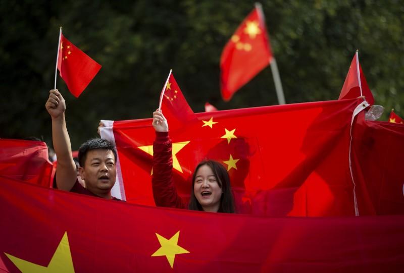 我方國安系統組成的「香港小組」分析指出,北京當局對香港採取「文攻武嚇」的手法、模式和近年來對台策略幾乎如出一轍。(美聯社)