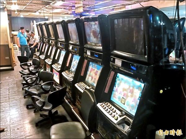 檢方指揮偵辦,今年5月搗破賭博電玩場,查扣近20廿年來單案最多的199台賭博機台。(資料照)