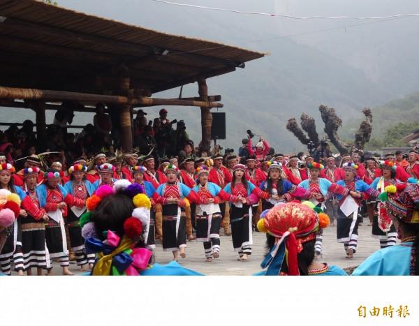 去年在阿里山鄉特富野社舉行的戰祭過程。(資料照,記者謝銀仲攝)