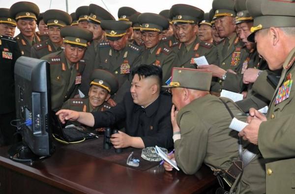 脫北的北韓前駐英國大使太永浩表示,北韓政府相當擔心外來資訊的流入,這讓北韓人民起義的可能性愈來愈大。(資料圖,法新社)