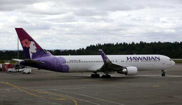 夏威夷航空一架飛往紐約的航班,驚傳空服員在機上猝死,使得班機最後轉降加州舊金山機場。夏威夷航空客機示意圖。(美聯社)