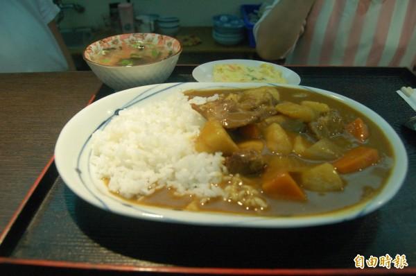 日本網站日前針對「女孩子至少要會做的料理」進行調查,由「咖哩飯」奪下第1名。(本報資料照)
