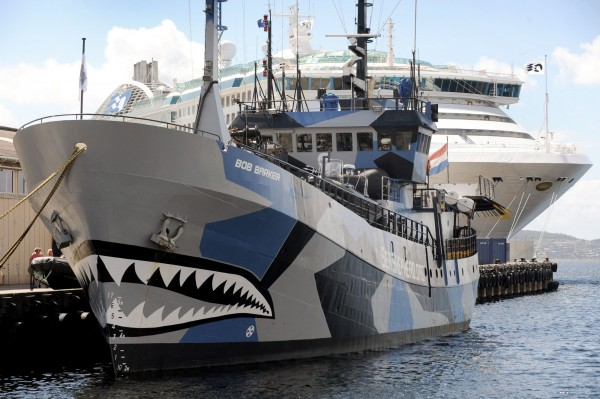 海洋守護者協會已激烈抗爭手段聞名,連船隻塗裝都相當霸氣。(法新社)