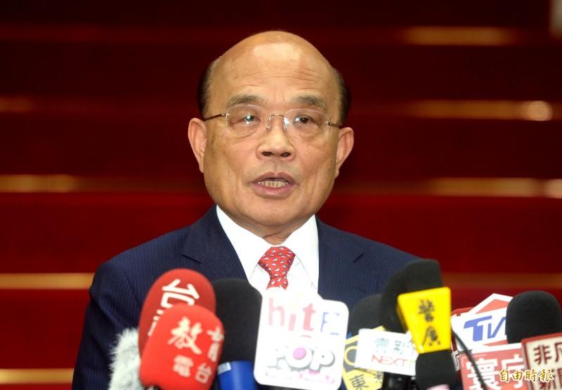 國民黨總統參選人韓國瑜赴台北市美國商會演講使用「晶晶體」,行政院長蘇貞昌今天受訪表示,會讓美國人笑死。(記者林正堃攝)