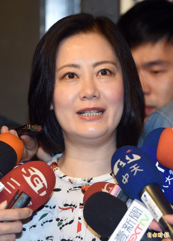 民進黨立委吳思瑤昨日率隊參加北投划龍舟比賽,並擔任奪標手的大任。最後她不僅和團隊一起拿下冠軍,還以1分57秒破了大會紀錄。(資料照,記者廖振輝攝)