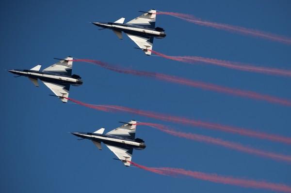 梁國樑指出,中國東部戰區已部署大量新式戰機,以備戰防堵未來可能的台獨行動。(法新社)