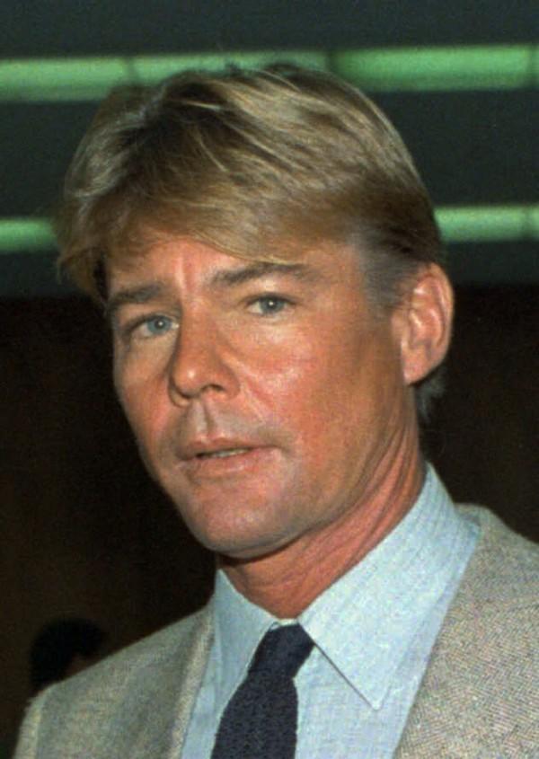 1980年代受到台灣觀眾歡迎的《飛狼》(Airwolf)男影星詹麥可文生(Jan-Michael Vincent),上月10日因為心搏停止,在北卡羅萊納州的醫院去世,享壽74歲。(美聯社資料照)