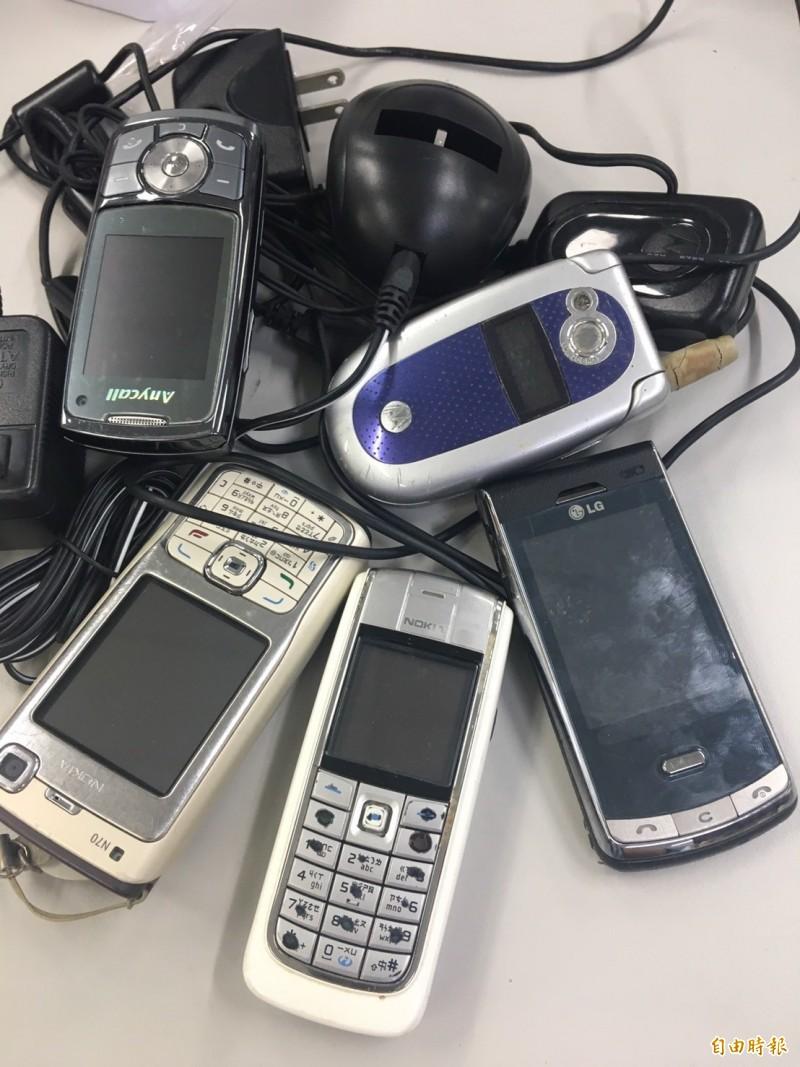 去年國人去年廢舊手機的回收量,已經達到626萬支,提煉稀有金屬年產值達4.4億元。(記者劉力仁攝)