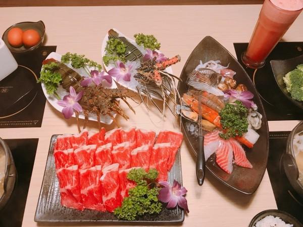 如果想吃高檔的海鮮,店內有新鮮的龍蝦可以選擇。(三色堇提供)