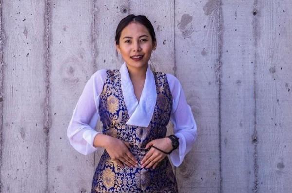 西藏裔女學生齊美拉姆(Chemi Lhamo),在近日獲選為加拿大多倫多大學(UTSC)首位西藏裔女學生會長。(圖擷取自IG)