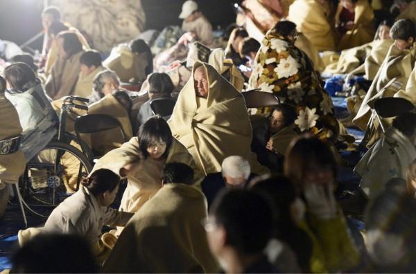 熊本地震10死400傷,2萬多人避難。(路透社)