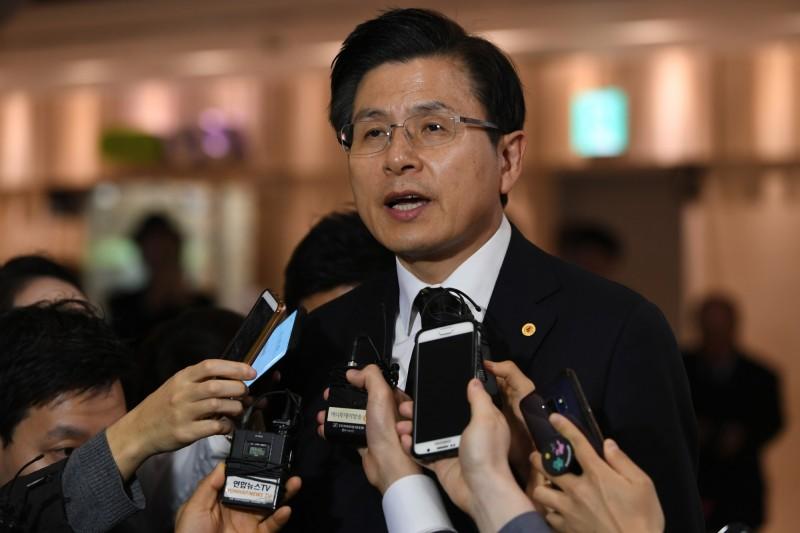 南韓最大在野黨黨主席黃教安(Hwang Kyo ahn)今日於記者會呼籲文在寅應盡快派員赴日協商。(韓聯社)