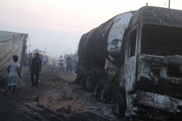 剛果巴士與卡車相撞,至少有27人死亡。圖為剛果10月時造成53死的另一起嚴重車禍。(法新社)